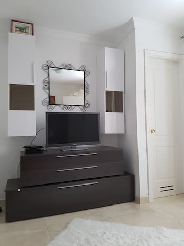 Modernes und helles Zimmer mit Bad - San Bartolomé de Tirajana - Dům