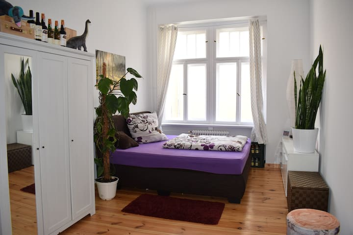 Kingsizebed / quite&green/ near shopping paradies - Berlim - Apartamento
