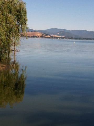 """""""The Lake House"""" Clearlake CA.water - Lakeport"""