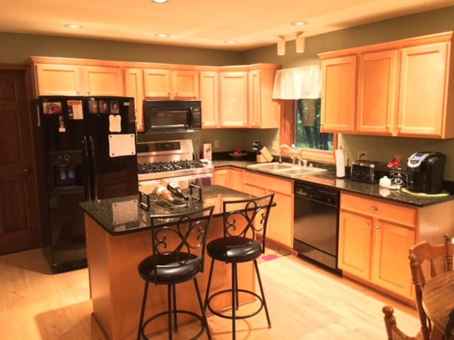 Kitchen amenities included