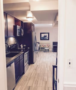 Apmt: Close to DC & FDA. Possible Transport/Extras - Silver Spring - Apartment