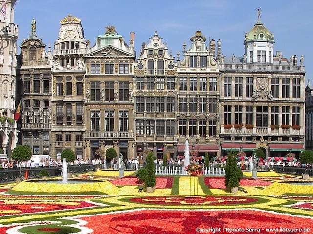 Studio 750 meters to grand place -centre BRUXELLES