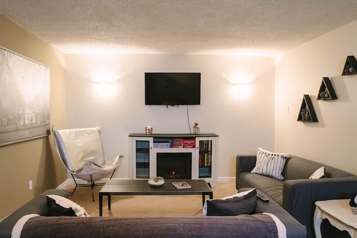Northeast Edmonton! Private 2 bedroom suite!