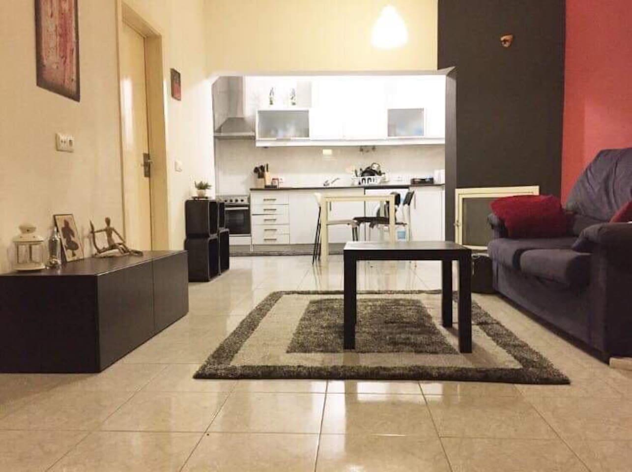 Sala de estar, cozinha, zona de refeições