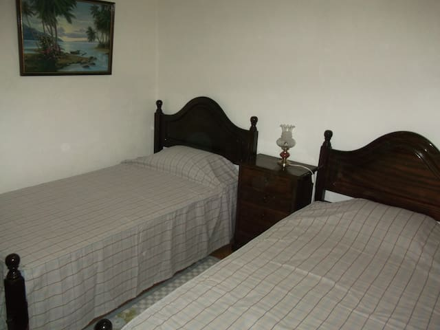 Double room in appartment - Tomar - Apartment