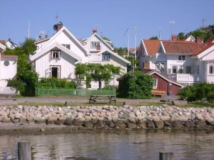 West coast picturesque cottage