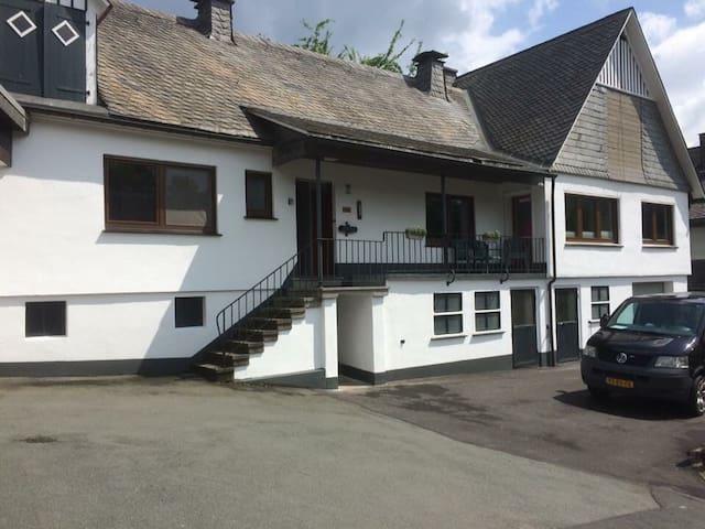 Grote Villa Sauerland 11 pers. - Schmallenberg - Villa