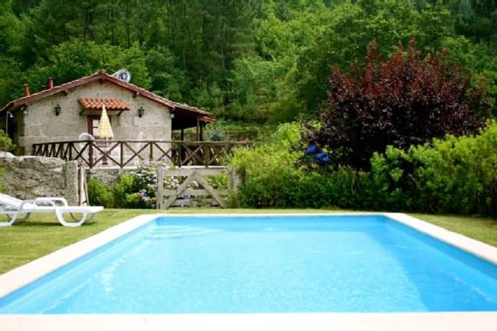 Villa with 3 bedrooms in Vieira do Minho, with private pool and furnished garden