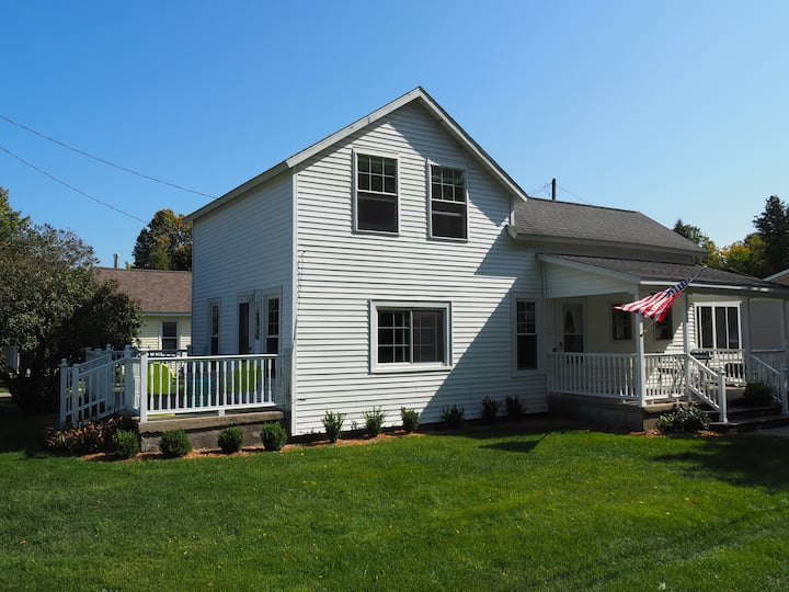 NEW!!! My Happy Place - GORGEOUS AND PET-FRIENDLY!