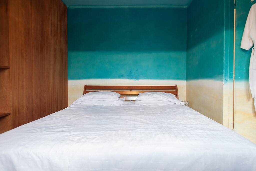Super kingsize bed 6foot wide by 7 foot long