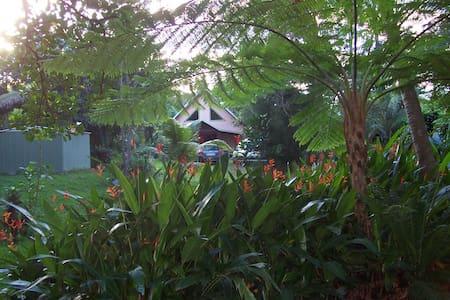C'est un trou de verdure où chante une rivière - La Coulée - Huis