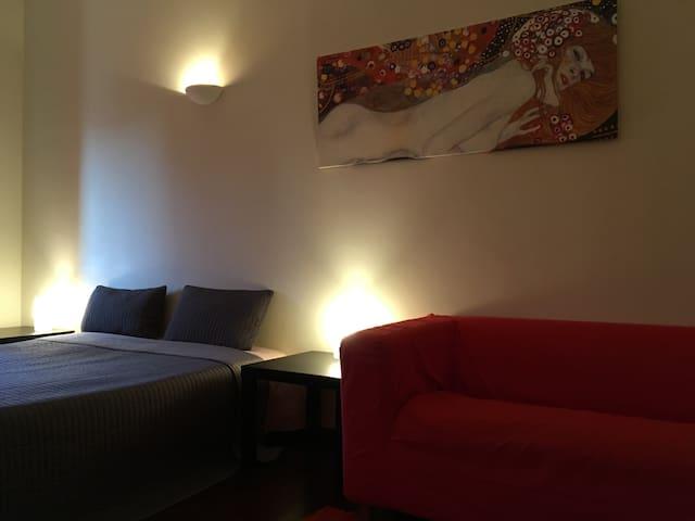 Miguel Bombarda Duplex Apartment