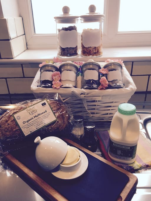 Continental Breakfast Included - Fresh Cornish Bread, Cornish Milk, Cornish Butter, Cereals, Jam, Honey, Marmite, And A Selection Of Breakfast And Herbal Tea And Coffee. Scrumptious!