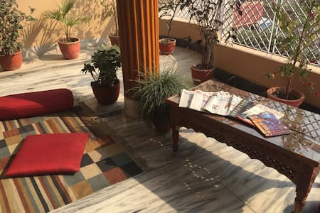 Purple Lotus Home Stay - Twin/Double Room - Varanasi