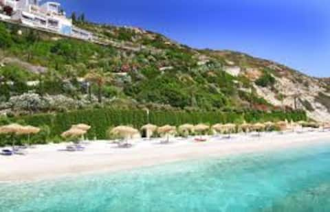 Luxury Seaside Villa in Crete