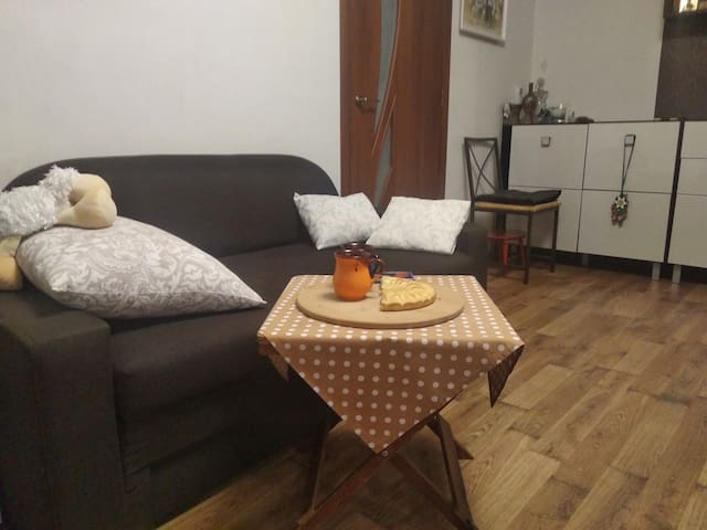 Open space (room) on Podil for women travelers!