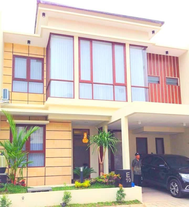 Fam's Homestay by FH Stay