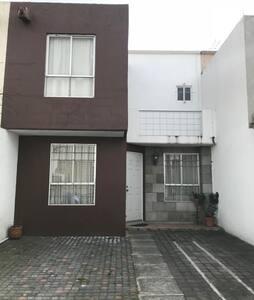 Bonita casa en Lerma, cerca del Aeropuerto