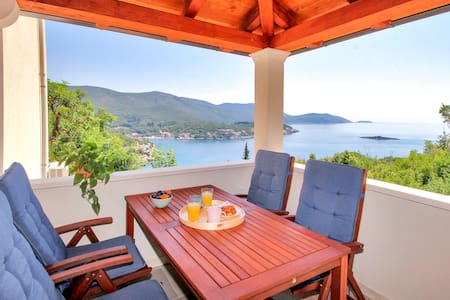 Levanat - spacious 4* apartment with terrace