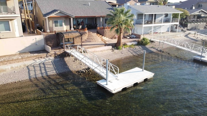 Waterfront 3bd/2ba with private dock
