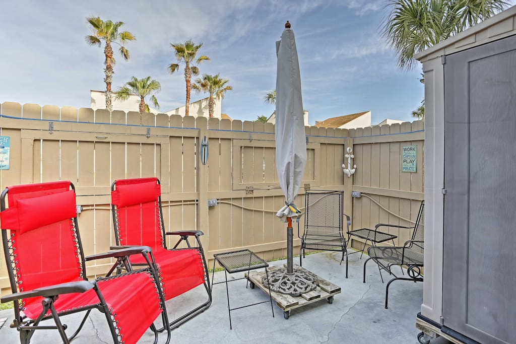 Step outside to your private patio and enjoy the Sunshine State weather.