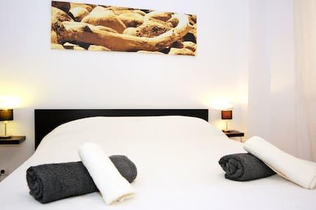 ibiza big flat figueretas beach room 1 - Wohnung