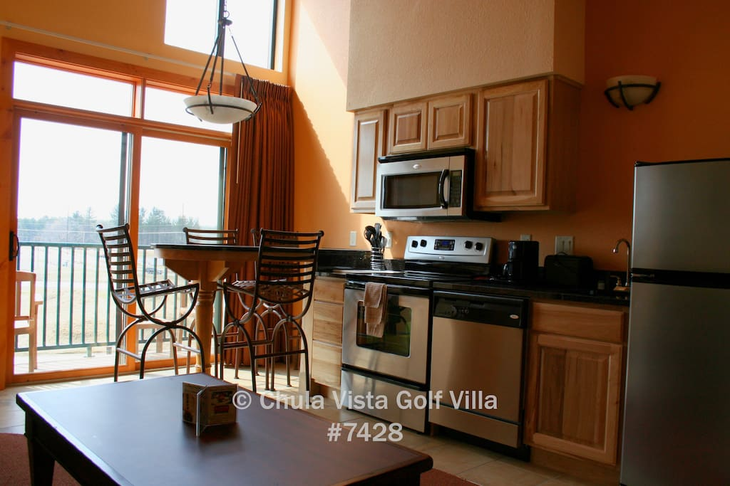 Fully-equipped Kitchen. Prepare meals in-unit & put the dishes in the dishwasher
