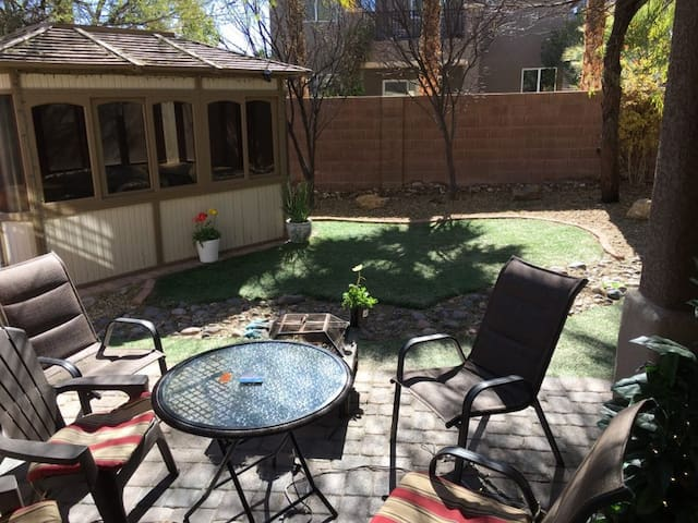 Private room in Summerlin - Las Vegas - Huis