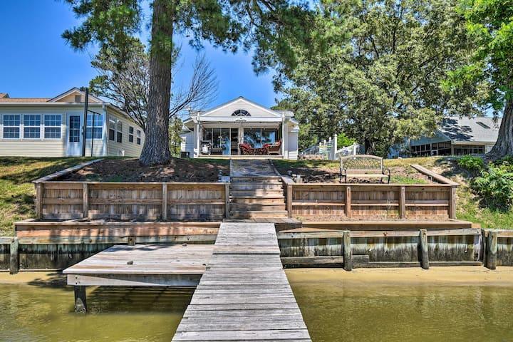 Riverfront Cottage: Fire Pit, Kayaks & Paddle Boat