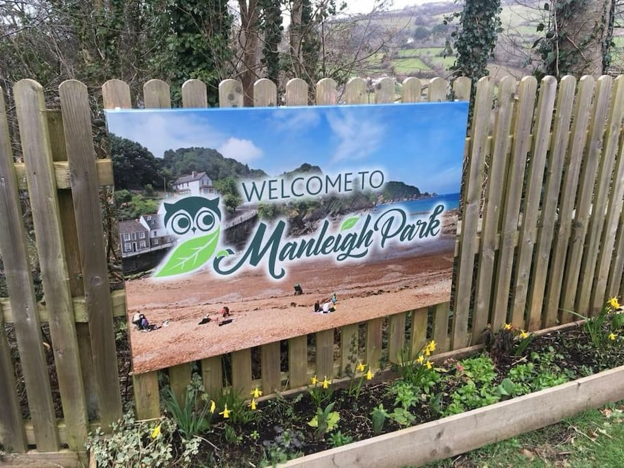 The welcome sign at the road entrance