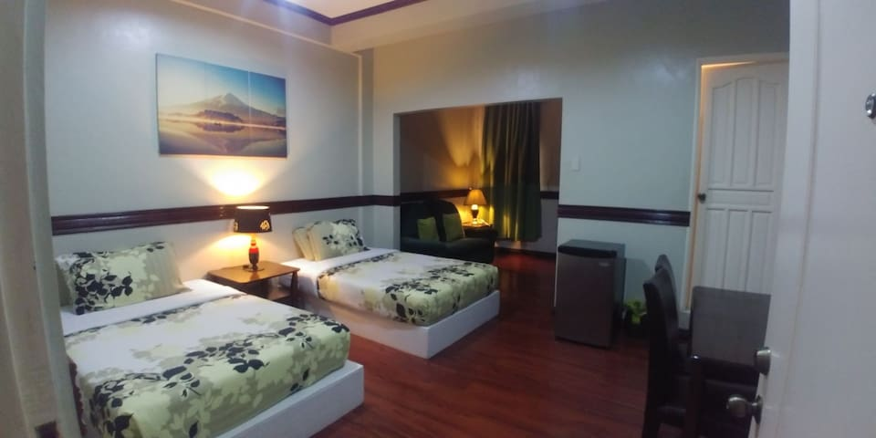 De Luxe Two Double Bed