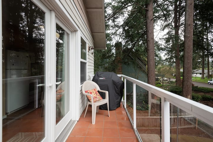 Retreat in the Firs. 2BR.