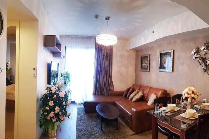 5 Star 2 bed classic style w/sea view.by B