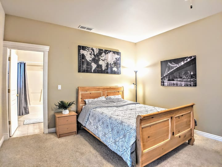 Private Entrance ✪1bed/1bath ✪ 2 min to Eagle Exit