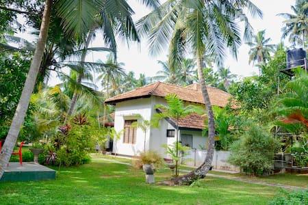 Krishan Villa Near Airport/Negombo - เนกอมโบ - วิลล่า