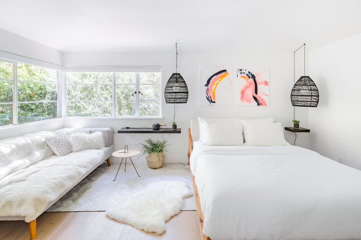 Beautiful Private Room in the Heart of Palo Alto