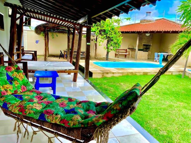 Casa de praia com piscina e lazer no coqueiro!!!