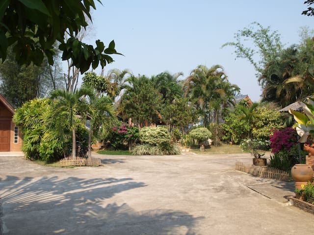 Inexpensive Peaceful Country Rooms For Rent.