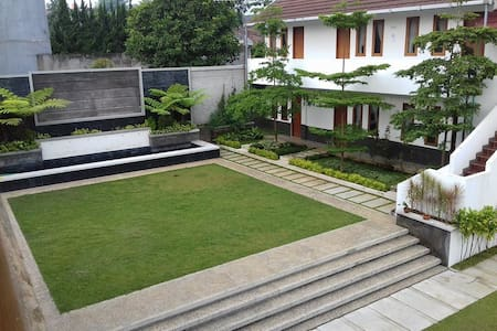 """THE """" CORDYLINE GUEST HOUSE"""" - Pondok"""