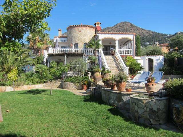 Haus mit Privatpool und Meersicht - El Mas Fumats - Haus