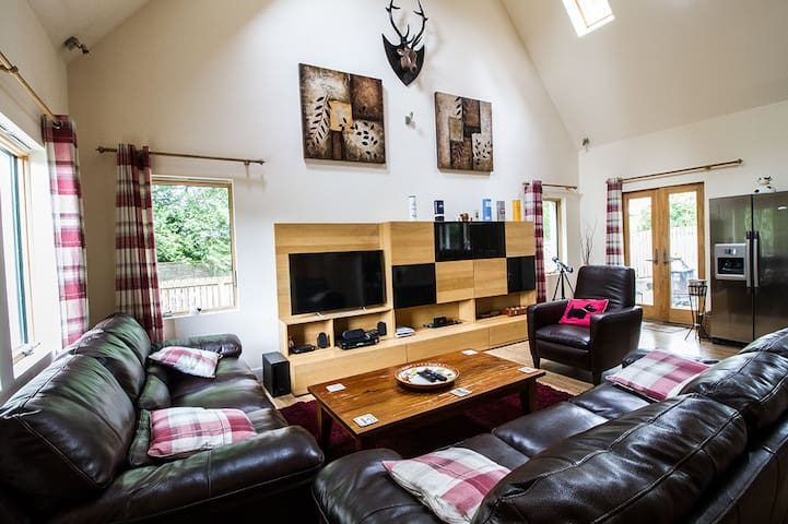 Luxury Scottish Cottage and Hot Tub - Blairgowrie - Casa