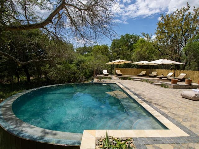 Little Africa Safari Lodge Luxury Tents