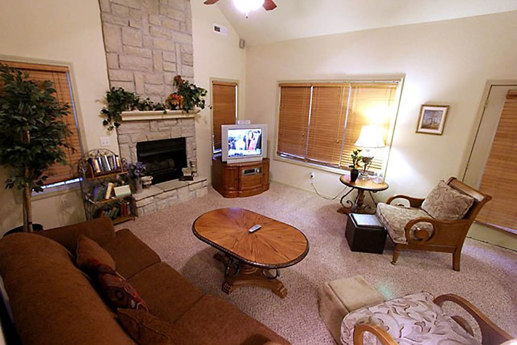 Coffee Table, Furniture, Table, Screen, TV