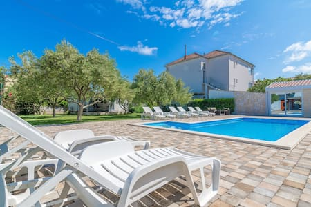 Luxury studio apartment with swimming pool