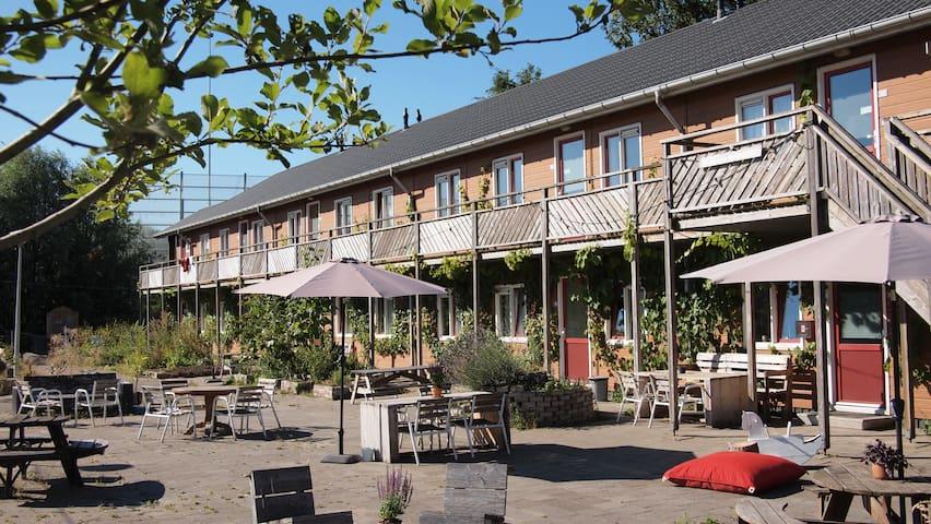 Amsterdam Farm Lodge: group accommodation