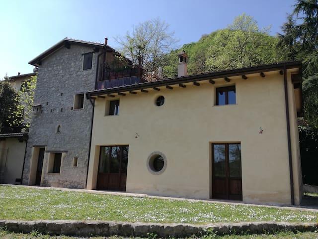 Appartamento in incantevole borgo vicino a Bologna - Marzabotto - Alojamiento vacacional