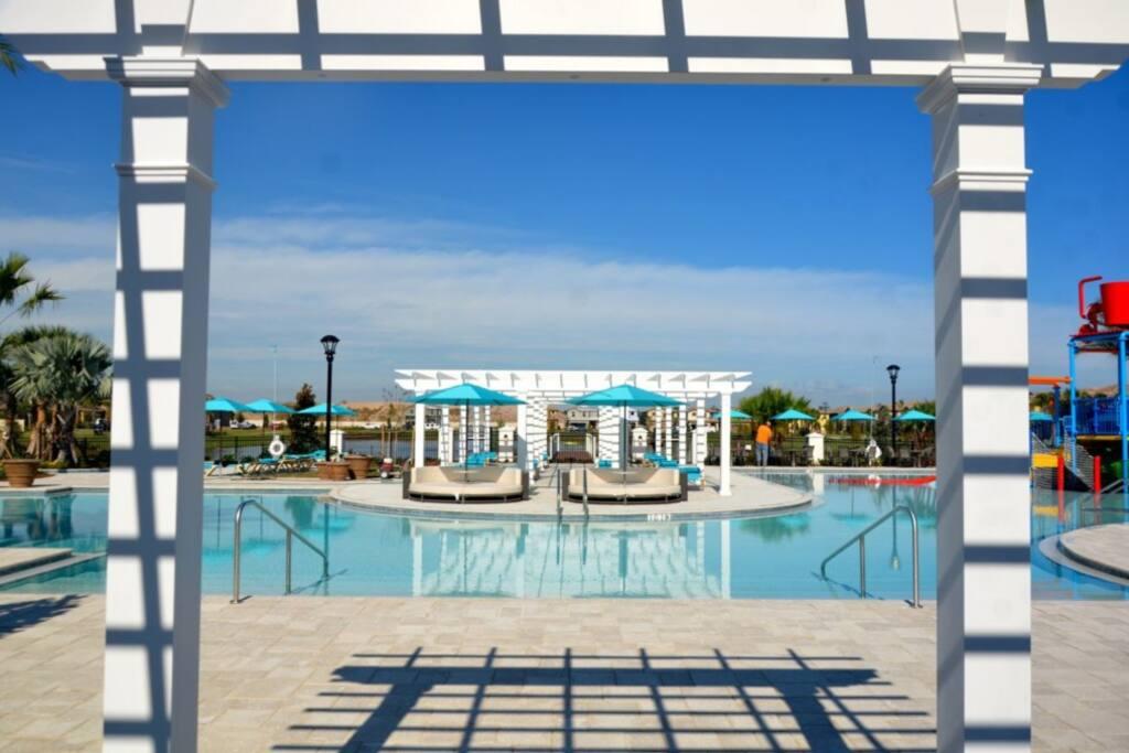 Westside_pool_01