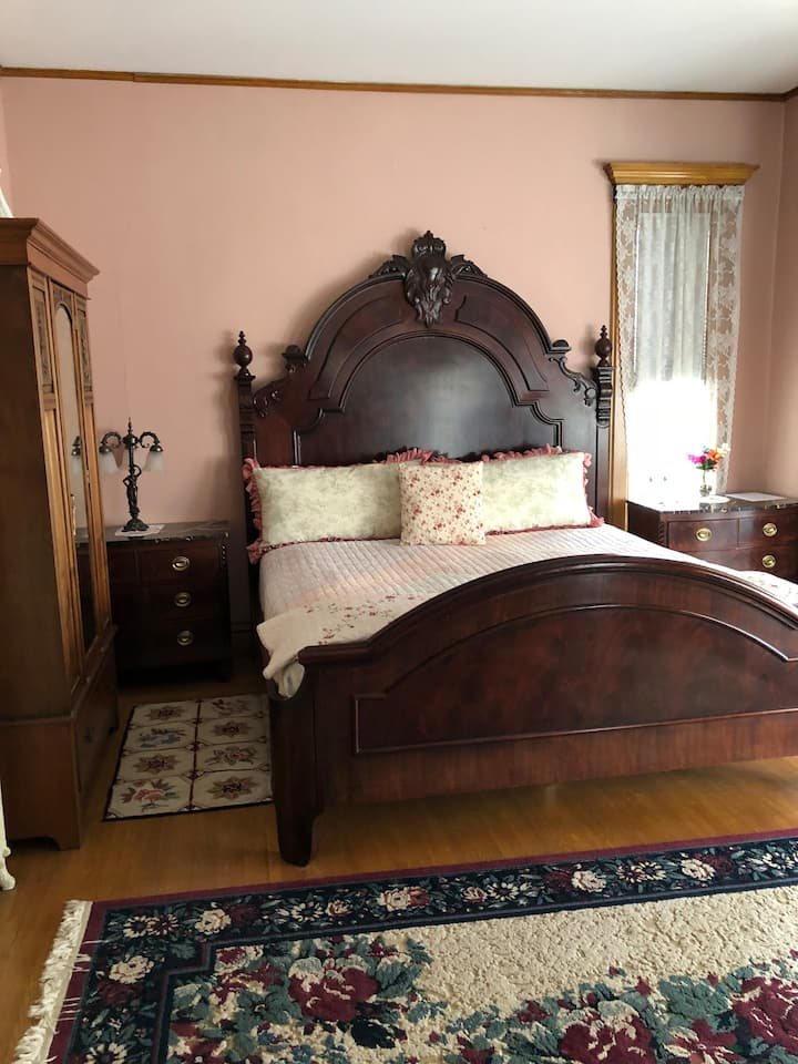 Belle Peabody Brown Suite-King-Deluxe-Ensuite