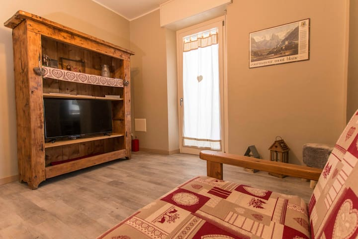 """Appartamento """"Buthier"""" Centro Aosta - Aosta - Byt"""