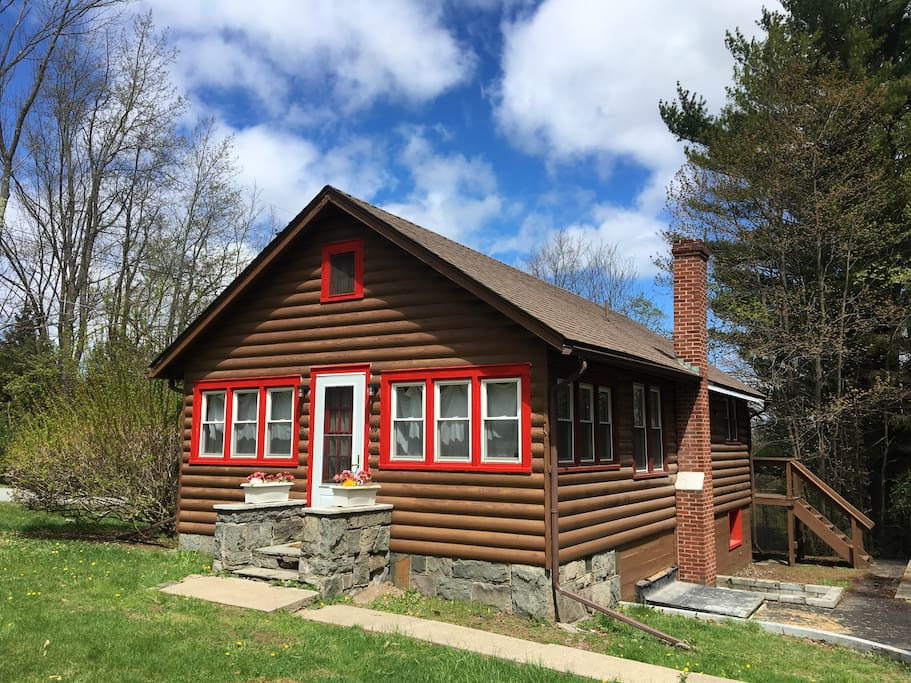 Log Sided Cabin Rental Kid Friendly Fireplace Cabins